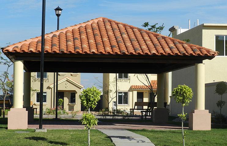 Fotos de techados con tejas galer 237 a de fotos de techos for Acabados de techos de casas